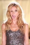 th_19365_Victoria_Secret_Celebrity_City_2007_FS_351_123_1025lo.jpg