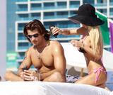 Shauna Sand pink bikini - Miami Beach-01/23 Foto 223 (Шона Сэнд Ламас Pink Bikini - Майами Beach-01/23 Фото 223)