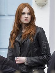 Карен Гиллан, фото 135. Karen Gillan - On The Set Of Doctor Who In Cardiff - 4/5/12, foto 135