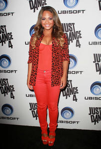 http://img161.imagevenue.com/loc444/th_931034621_ChristinaMilian_JustDance4Launch_11_122_444lo.jpg