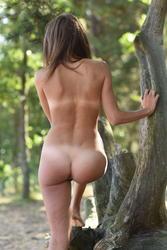 http://img161.imagevenue.com/loc454/th_773705441_0034_123_454lo.jpg