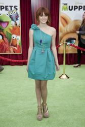 http://img161.imagevenue.com/loc484/th_596093168_Bella_Thorne_The_Muppets_Premiere_Hollywood_122_484lo.jpg