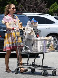 Ребекка Гэйхарт, фото 607. Rebecca Gayheart - Shopping LA - 30/07/11, foto 607