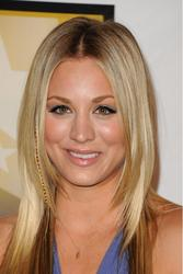 Калей Куоко, фото 225. Kaley Cuoco Sarah Michelle Gellar attends the 2011 Critics' Choice Television Awards on June 20, 2011 at the Beverly Hills Hotel in Beverly Hills, California., photo 225